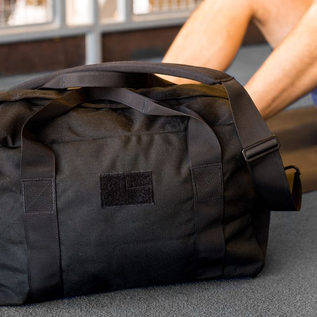 Best-Work-to-Gym-Bags-That-Dont-Look-Geeky-gear-patrol-full-featured