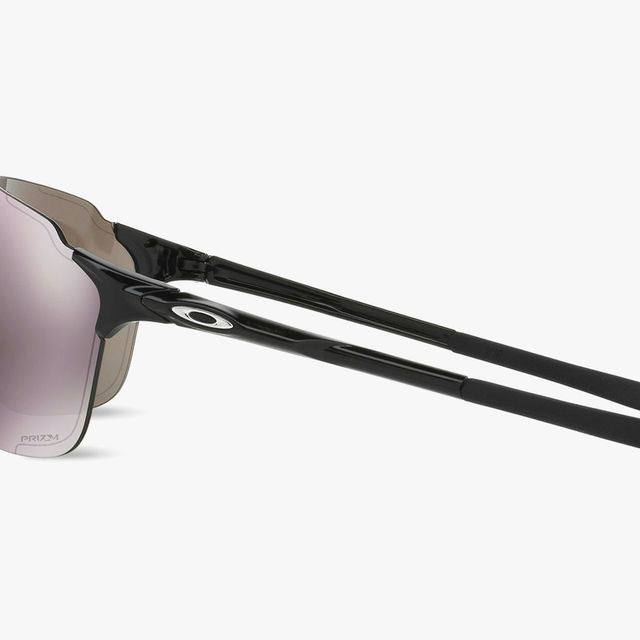 gear-patrol-oakley-EVZero-Sunglasses-lead-full