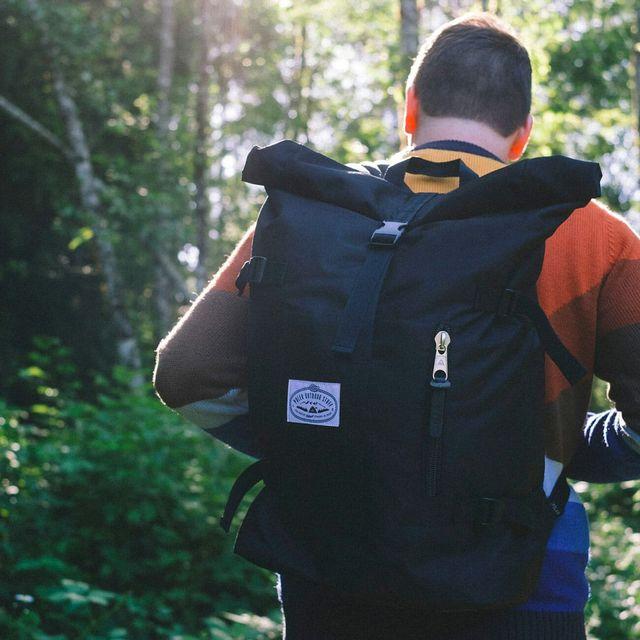 Hiking-Packs-Sale-gear-patrol-full-lead