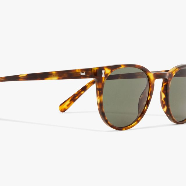 Mr-Porter-Sunglasses-Sale-gear-patrol-full-lead