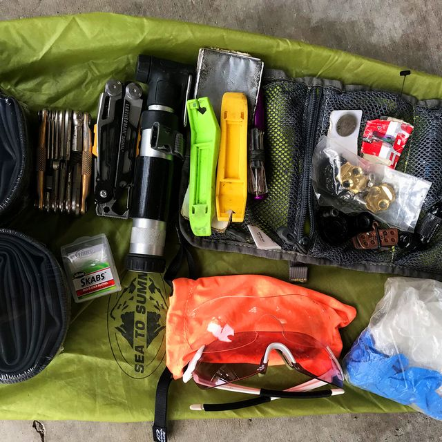 This-Is-What-You-Need-in-Your-Mountain-Bike-Repair-Kit-gear-patrol-full-lead