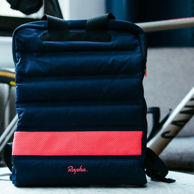 Rapha-Apple-Backpack-Gear-Patrol-Lead-Full