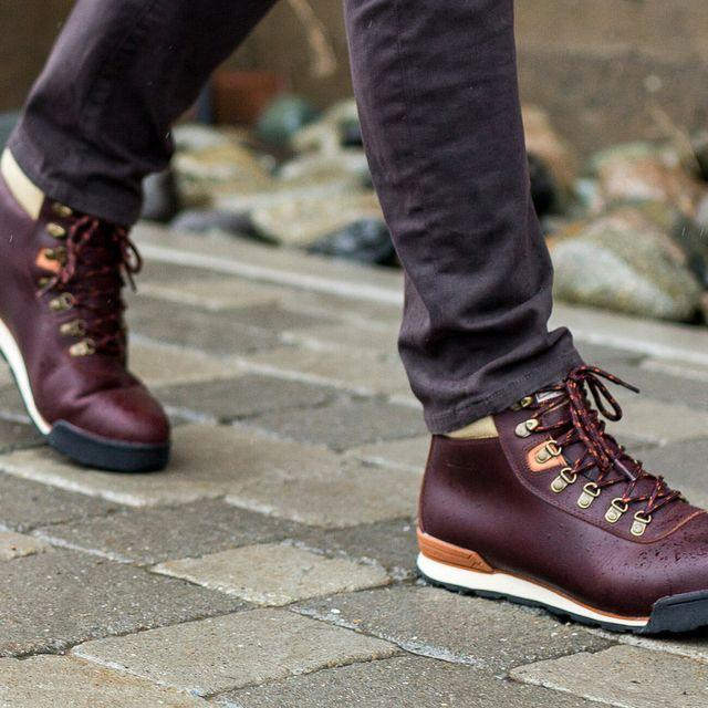 The-7-Best-Travel-Friendly-Hiking-Shoes-gear-patrol-full-lead