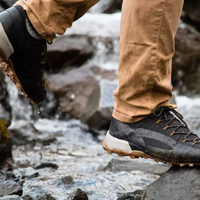 The-Best-Shoes-for-Fall-Travel-gear-patrol-full-lead