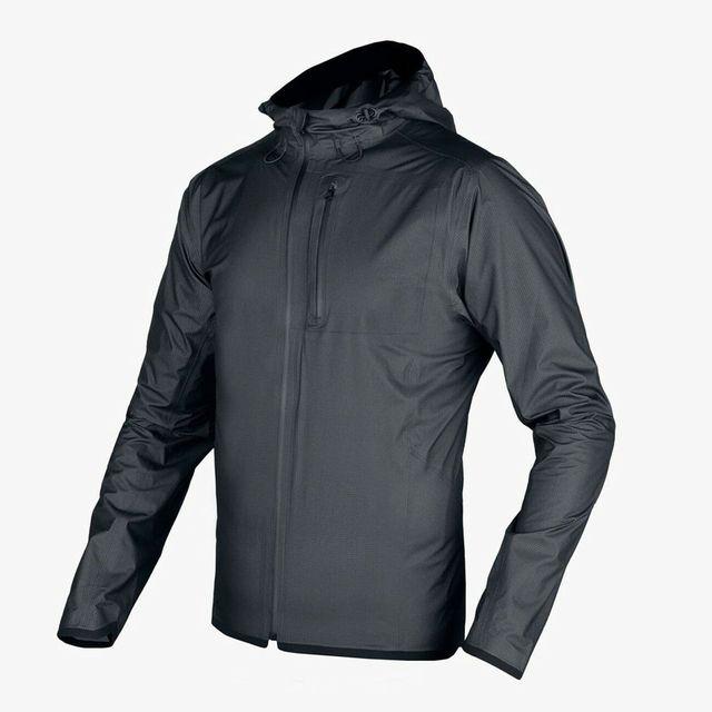 Mission-workshop-Rain-Jacket-Note-Gear-Patrol-Lead-Full