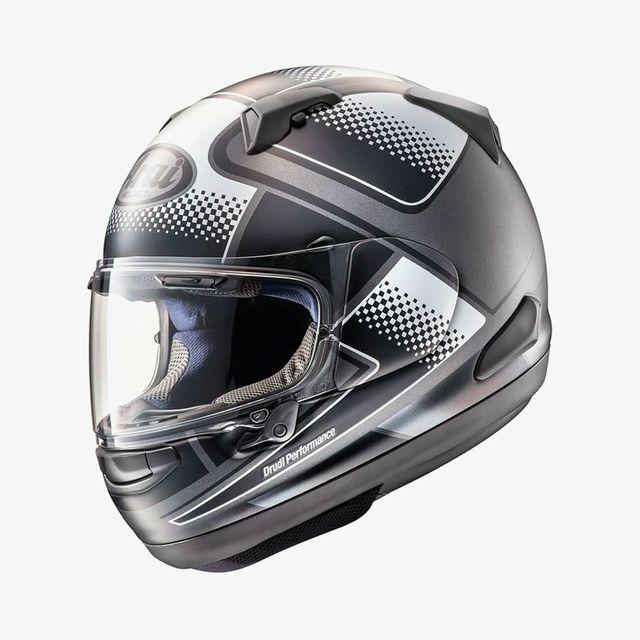 Arai-Quantum-Helmet-Gear-Patrol-Lead-Full