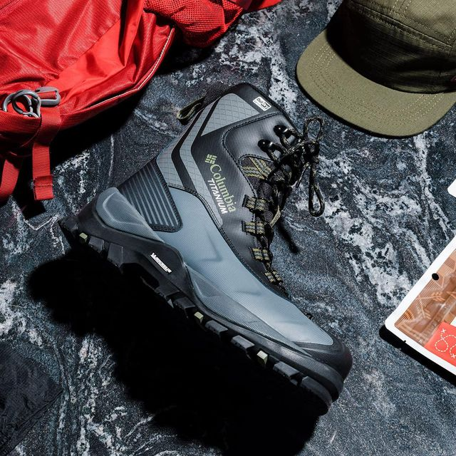 Best-Gifts-For-Hikers-Gear-Patrol-FEATURE-02-