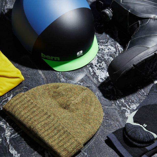 Best-Gifts-For-The-Snowboarder-Gear-Patrol-lead-full