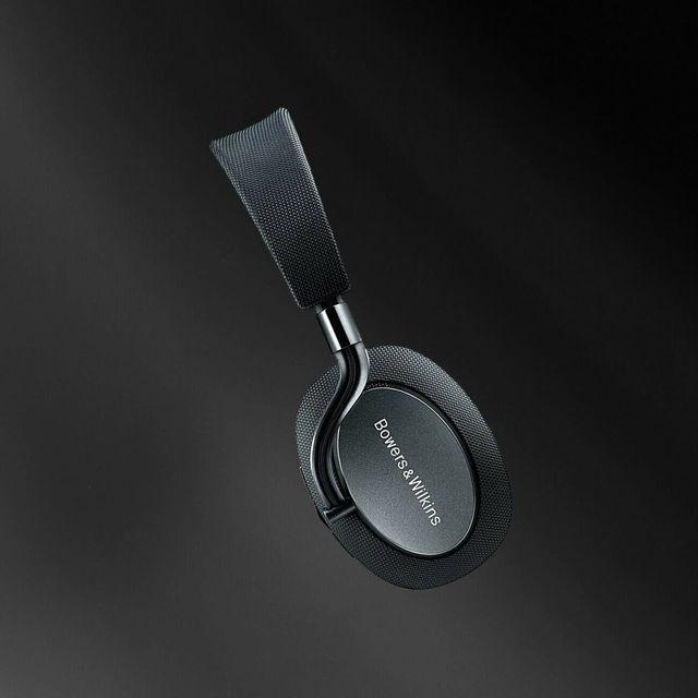 Cyber-Monday–Bowers-Wilkins-PX-ANC-Headphone-gear-patrol-lead-full