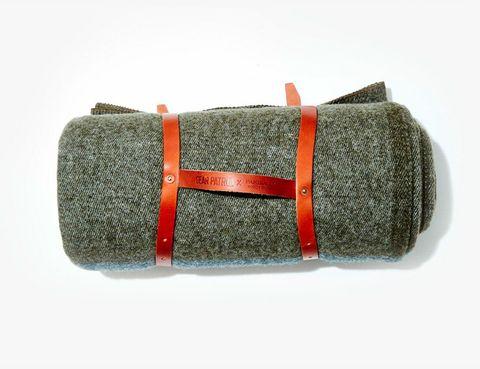 Cozy-Wool-Blankets-Gear-Patrol-faribault