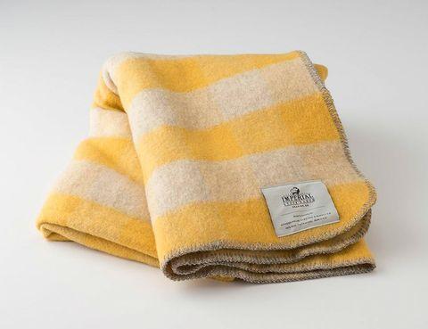 Cozy-Wool-Blankets-Gear-Patrol-schoolhouse