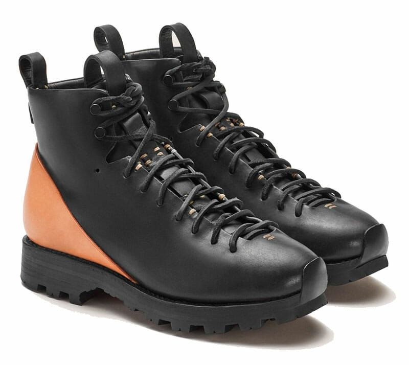 $300 On These Minimalist Leather Boots