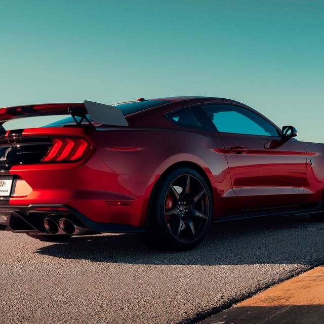Mustang-GT500-Gear-Patrol-slide-2