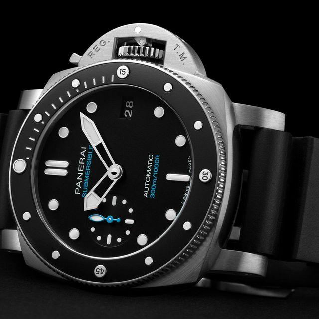 SIHH-2019-Panerai-Submersible-PAM00683-gear-patrol-lead-full