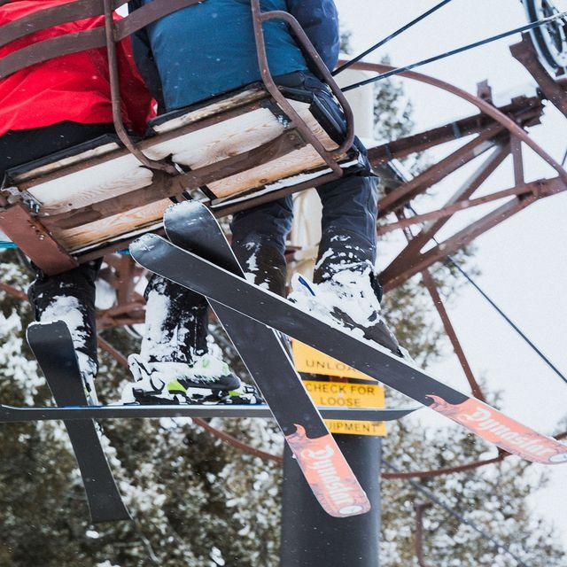 Why-You-Should-Take-a-Ski-Lesson-gear-patrol-full-lead