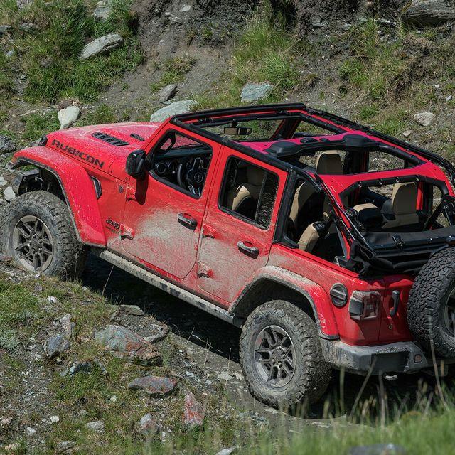 Jeep-Wrangler-KBB-gear-patrol-slide-4