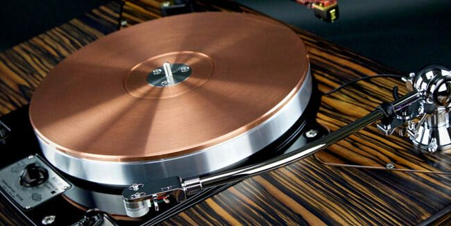 Why Audiophiles Are Hunting for Vintage Turntables