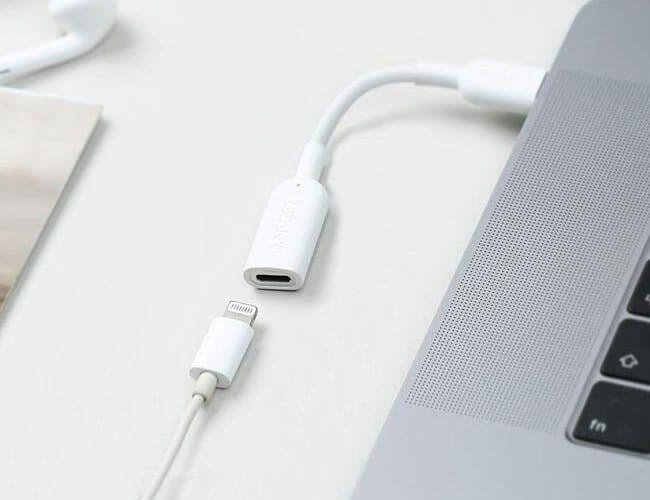 How To Plug Lighting Headphones Into A Mac