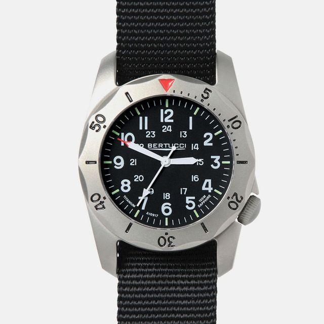 BERTUCCI-A-2TR-VINTAGE-WATCH-gear-patrol-full-lead
