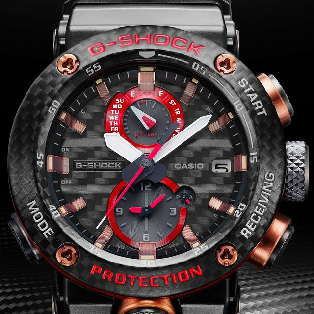 Casio-G-Shock-Gravitymaster-Carbon-Monocoque-GWRB1000X-1A-gear-patrol-full-lead
