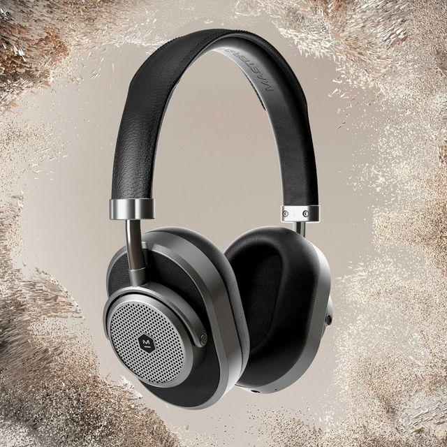 MD-Noise-Canceling-Headphones-gear-patrol-full-lead