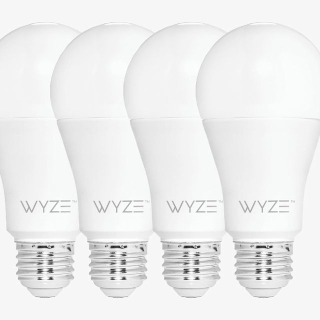 Wyze-Smart-Bulb-gear-patrol-lead-full