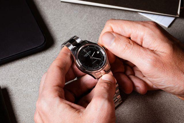 how to set a watch gear patrol full lead