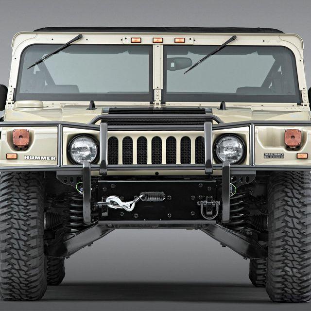 Hummer-H1-Electric-gear-patrol-lead-full