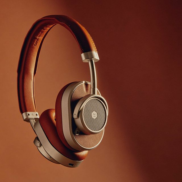 These-Stunning-Noise-Canceling-Headphones-Sound-As-Good-As-They-Look-Gear-Patrol-lead-full