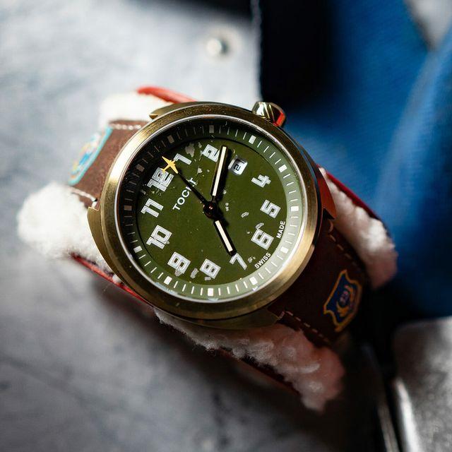 Tockr-WWII-Limited-Edition-gear-patrol-lead-full
