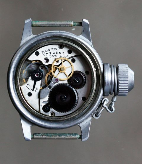 WWII-Canteen-Diving-Watch-gear-week-ambiance-1