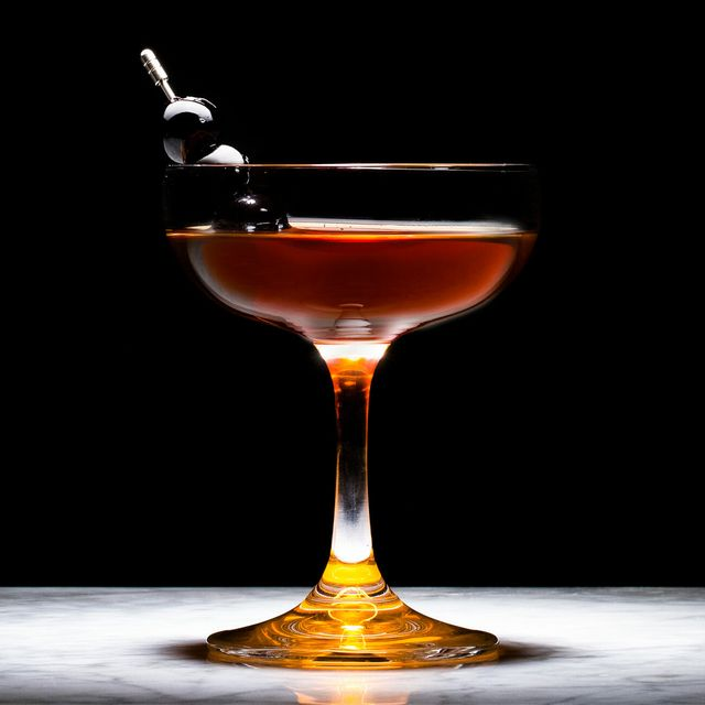 10-Best-Whiskey-Cocktails-to-Make-at-Home-gear-patrol-lead-full