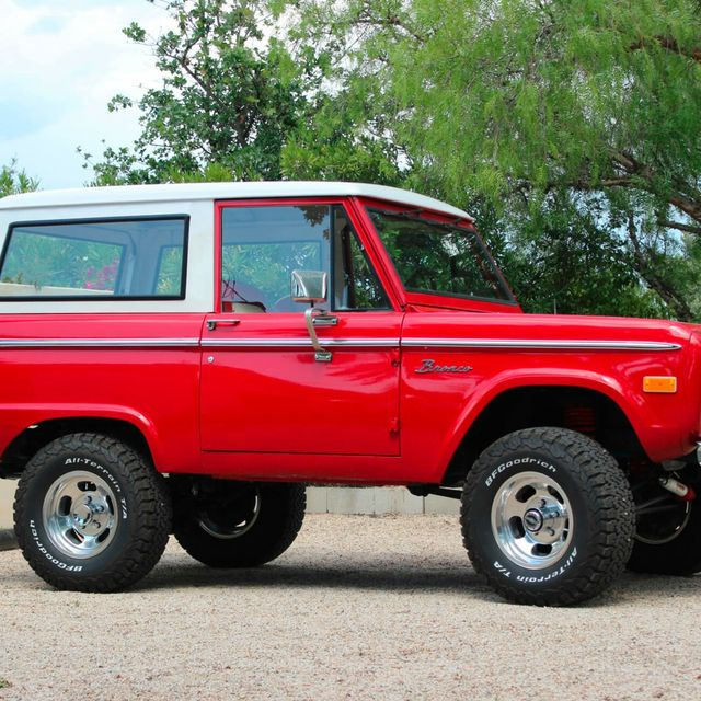 1975-Ford-Bronco-gear-patrol-slide-3