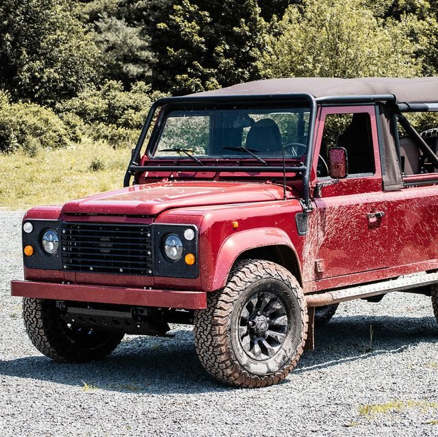 No One Should Buy A Classic Land Rover Defender Here S Why