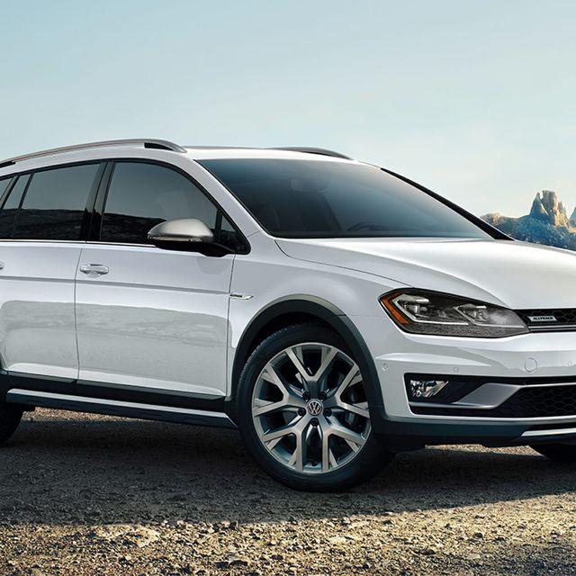 VW-Golf-Alltrack-gear-patrol-full-lead