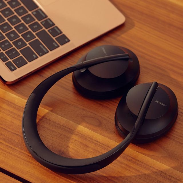 The-Perfect-Noise-Canceling-Headphones-for-Business-Travelers-Gear-Patrol-lead-full