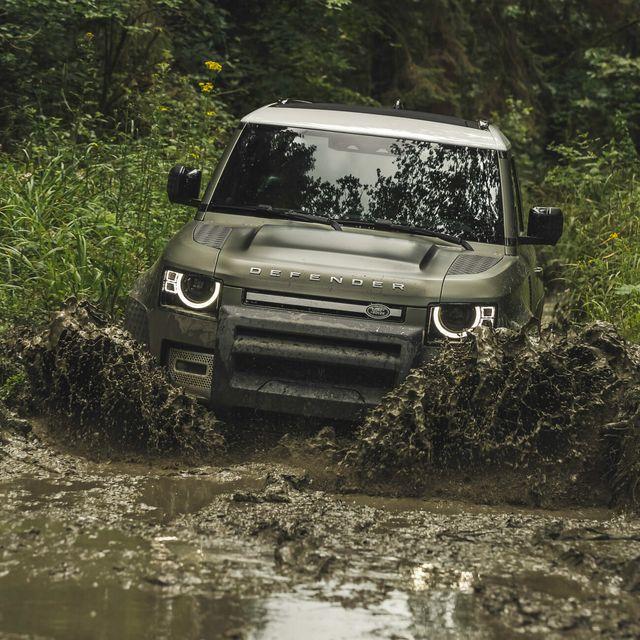 Land Rover Defender Gear Patrol-Exterior Action-Slide-12