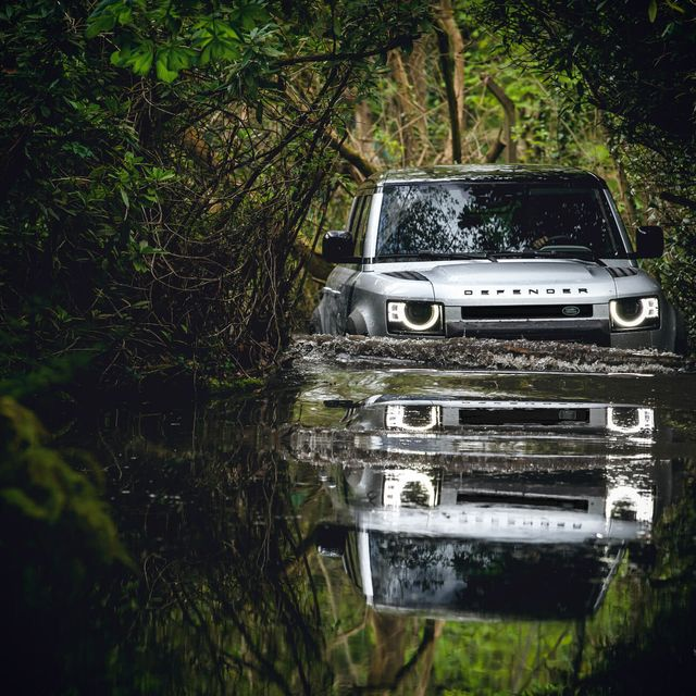 Land Rover Defender Gear Patrol-Exterior Action-Slide-29