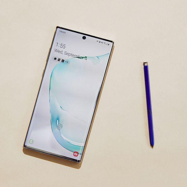 Samsung-Galaxy-Note-10-Review-Gear-Patrol-Lead-Full