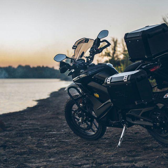 Zero-Moto-gear-patrol-full-lead