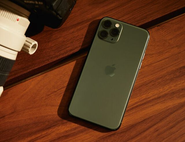 iphone 11 pro review gear patrol lead featured