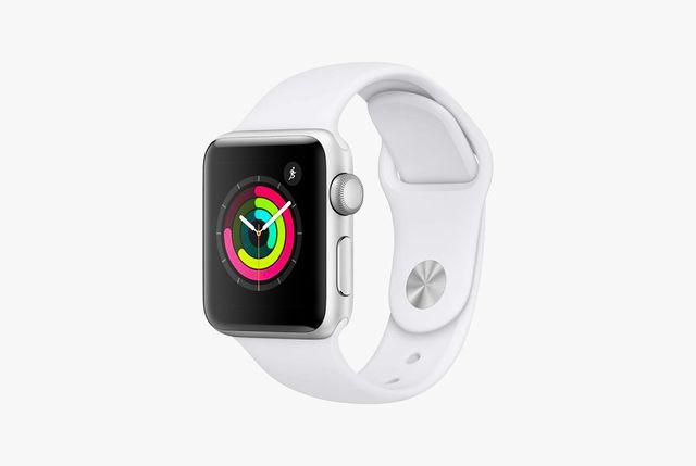 apple watch series 3 gear patrol full lead