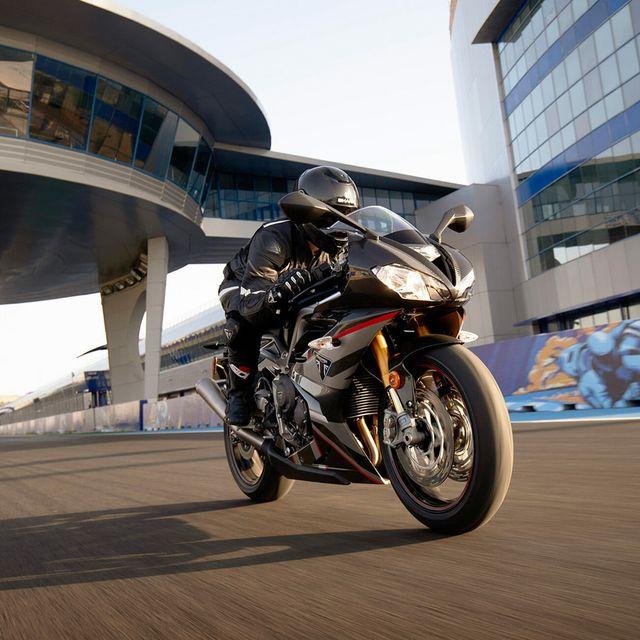 TIG-OCT-22-Triumph-Motorcycles-gear-patrol-lead-full