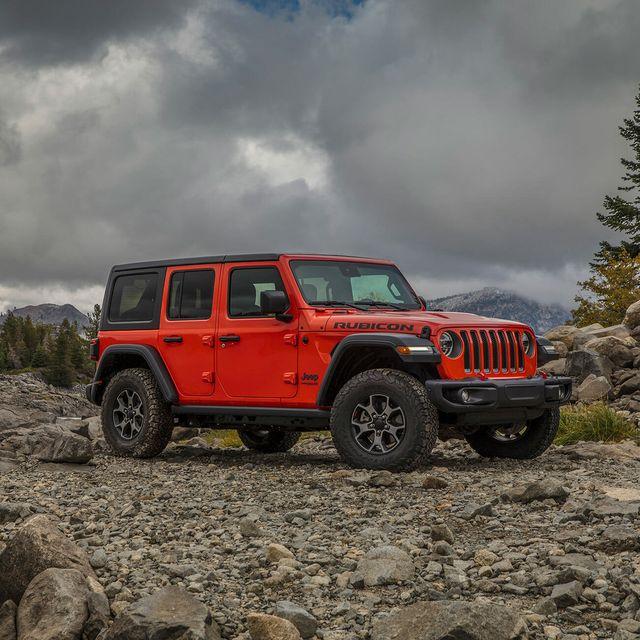 2020 jeep wrangler ecodiesel review gear patrol lead slide 3