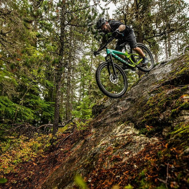 I-Thought-I-Knew-How-to-Mountain-Bike-gear-patrol-lead-full