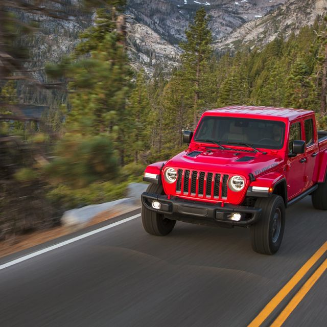 Jeep-Gladiator-gear-patrol-full-lead
