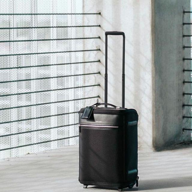 Hook & Albert Garment Luggage