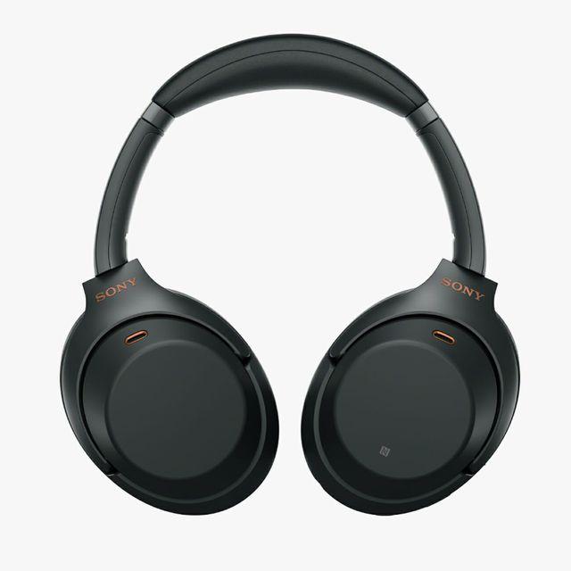 Sony-wh-1000xm3-gear-patrol-full-lead