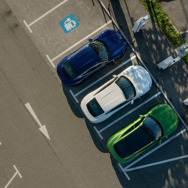 When-Buying-an-Electric-Car-gear-patrol-lead-full