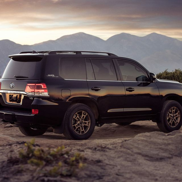 2020-Toyota-Land-Cruiser-Heritage-Edition-Review-gear-patrol-lead-slide-4